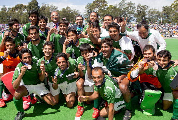 Pakistan celebrates its bronze medal at the Champions Trophy