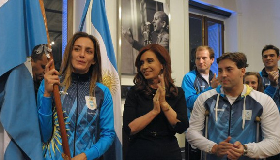 Luciana Aymar received the official flag for the Olympic opening ceremony before the Argentina delegation travels to Europe