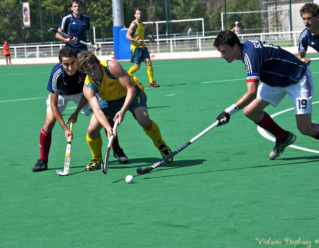 Australia & France in action on the final day of the INSEP Hockey Challenge