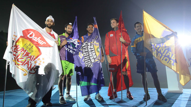 The captains of 5 HIL teams during opening ceremony: (L to R) Sandeep Singh (Mumbai Magicians), Sardar Singh (Delhi Waveriders), V R Raghunath (Uttar Pradesh Wizards), Moritz Fürste (Ranchi Rhinos) & Jamie Dwyer (Jaypee Warriors)